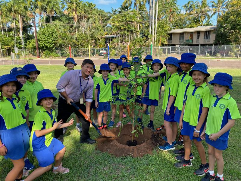 Alderman Jimmy Bouhoris and Year 3/4 Vavlas planting the first tree.